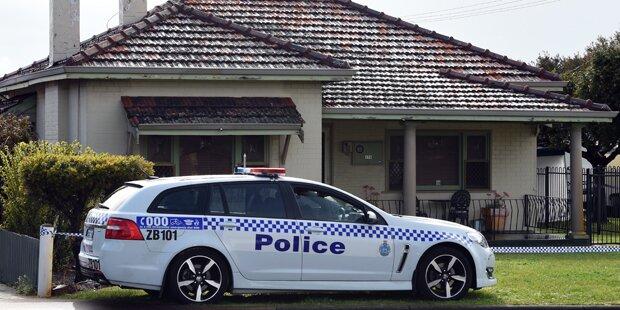 Mutter, Oma und drei Mädchen in Haus getötet
