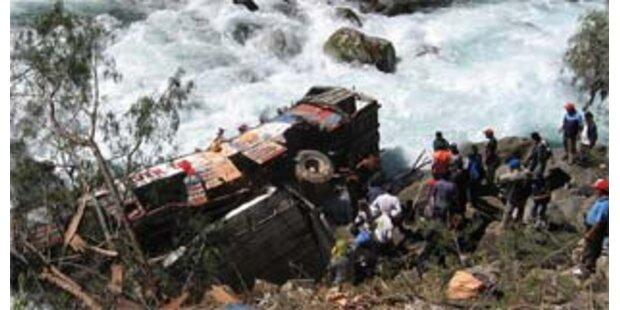 29 Tote bei Busunfall in Peru