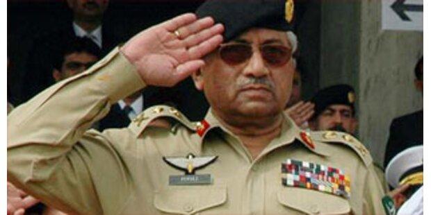 USA stehen zu Musharraf - ohne Uniform