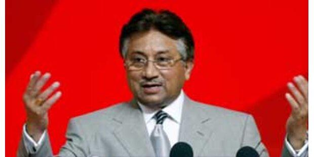 Pakistans Präsident gibt Amt als Militärchef ab