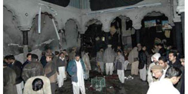 Zehn Tote bei Selbstmordanschlag in Peshawar