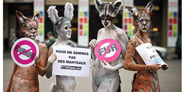 So demonstriert PETA gegen Fashionindustrie