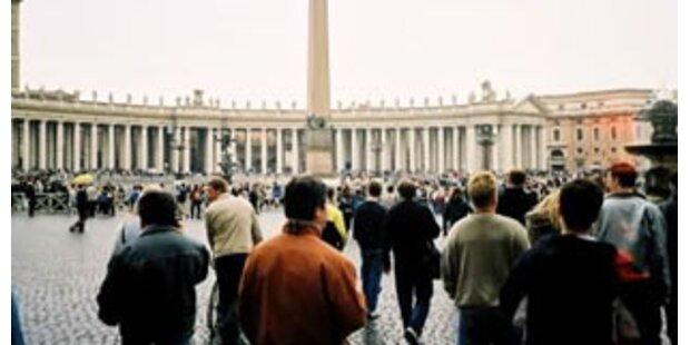 Händler demonstrierten gegen Verweis vom Petersplatz