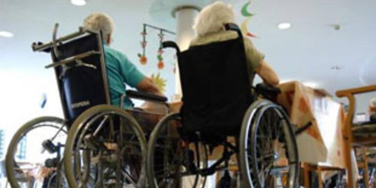 Buchinger lehnt Molterers Pflegepläne ab