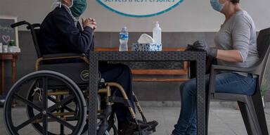 Pflegeheime, Spitäler nur mehr eingeschränkt besuchbar