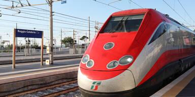 Erstes Land führt Testpflicht für Zug-Reisende ein