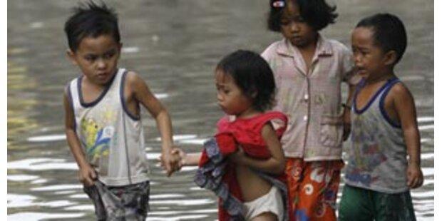 100.000 Philippinen auf der Flucht vor dem Taifun