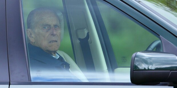 Prinz Philip gab freiwillig den Führerschein ab