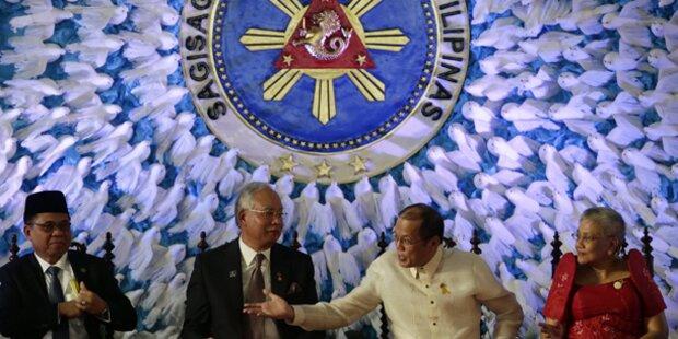 Philippinen: Historischer Friedenspakt