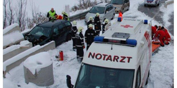 250 Unfälle im Schneechaos