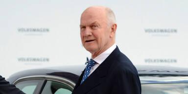 Piëch verkauft VW-Aktien & kündigt Abschied an