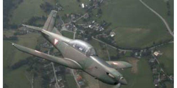Militärflugzeuge fingen wieder Eindringlinge ab