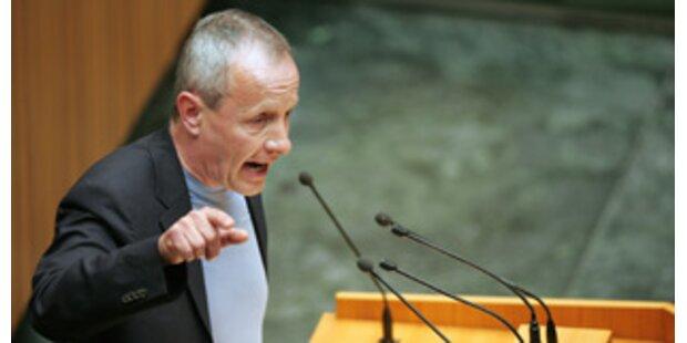 Pilz kritisiert weiter Arbeitsmoral der Mandatare