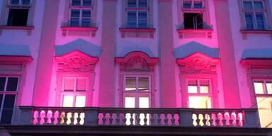 Schloss Mirabell erstrahlt in Pink