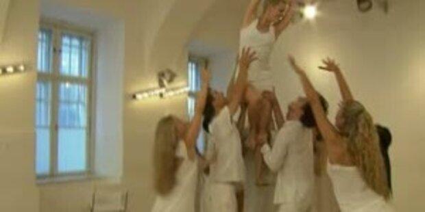 Flashmob: Komm und tanz mit - Gegen Krebs!