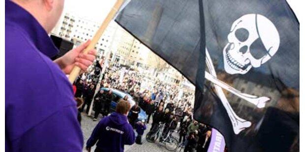 Tausend demonstrieren für Datenpiraten