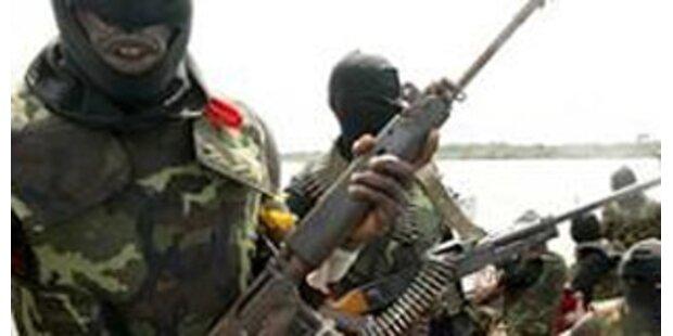 Piraten kapern Frachter mit 30 Panzern vor Somalia