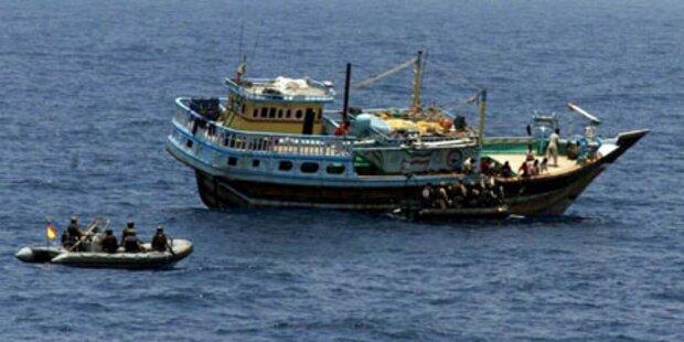 Somalische Piraten kapern Frachter