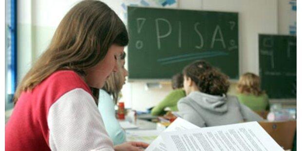 Millionenklage gegen Schülerunion