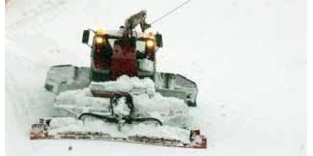 Betrunkener Skifahrer von Pistenraupe überrollt