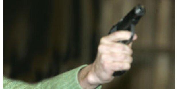 Mann erschoss bei Hochzeit versehentlich Sohn