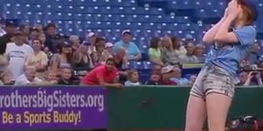 Jepsen blamiert sich beim Baseball-Pitch