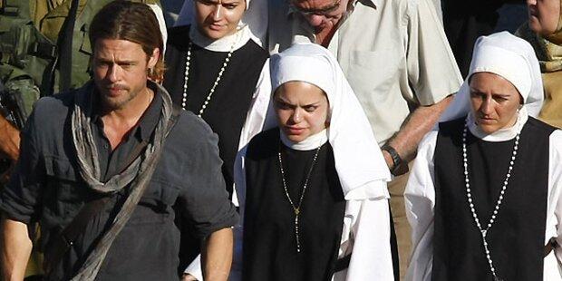 Was macht Brad Pitt da zwischen Nonnen?