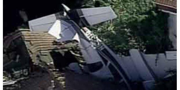 Cessna krachte in Wohnhaus