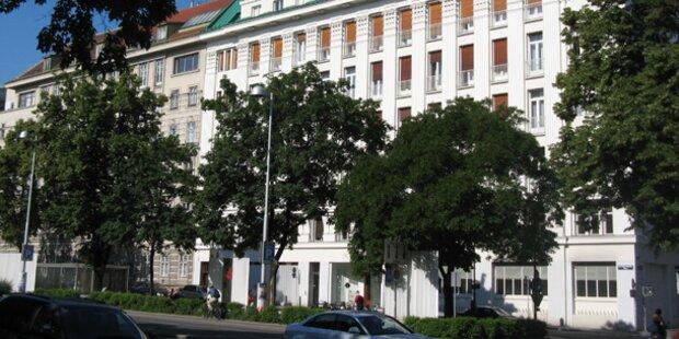 Im Amtshaus: Brutalo raubte 77-Jährige aus