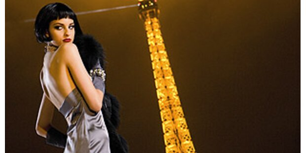 Anja Platzer zeigt große Roben in Paris