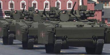 Russen steuern Panzer mit Gamepad