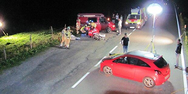 Alko-Lenker rast in Wohnmobil: 2 Verletzte