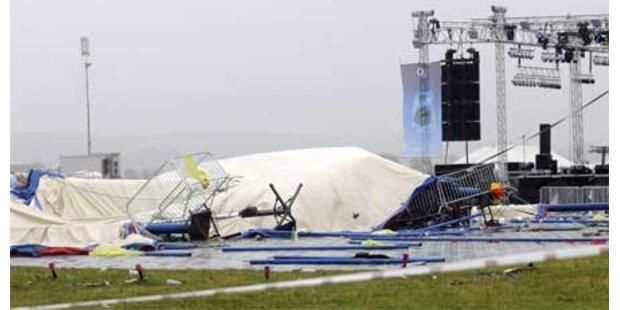 Unwetter sorgt für Drama bei Festival