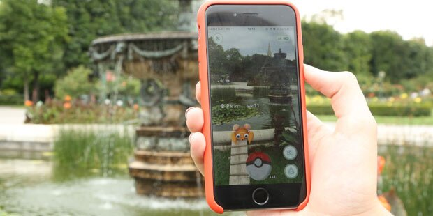 Kinder-Gang beraubte Pokémon-Jäger im Stadtpark