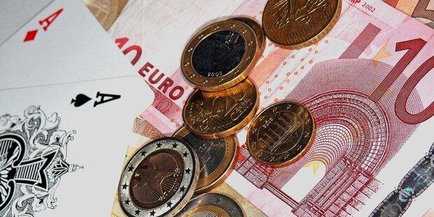 Zuhälter verspielte Lohn von Prostituierten im Casino