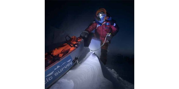 Polarforscher stecken in der Arktis fest
