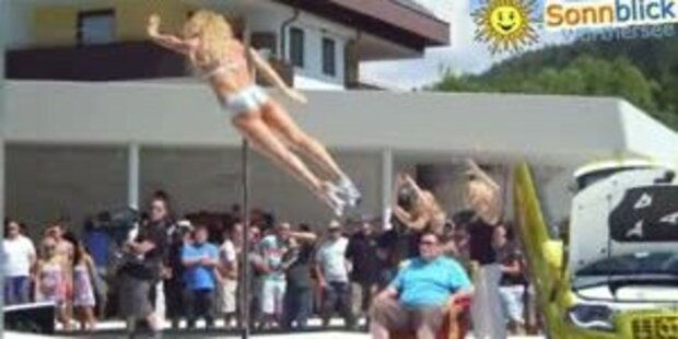 Heisser Pole-Dance beim GTI-Treffen 2011
