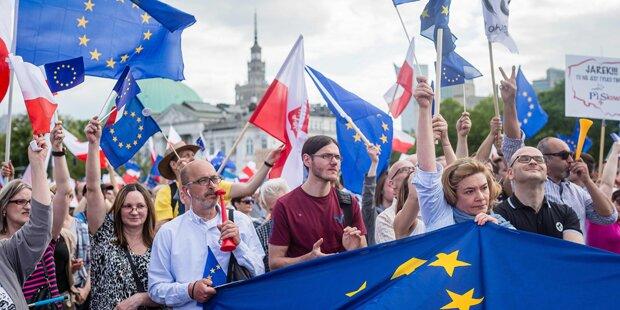 240.000 demonstrierten gegen Polens Regierung