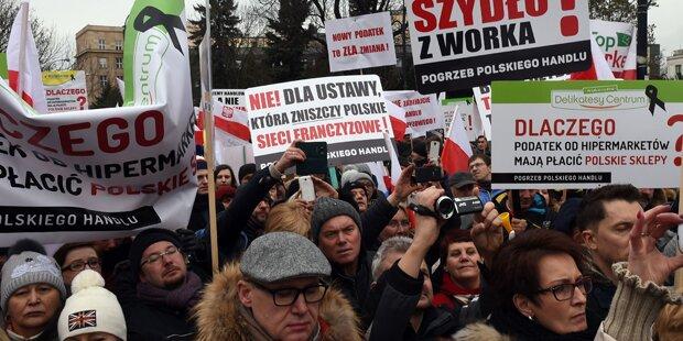 Polen: Proteste gegen neue Steuer
