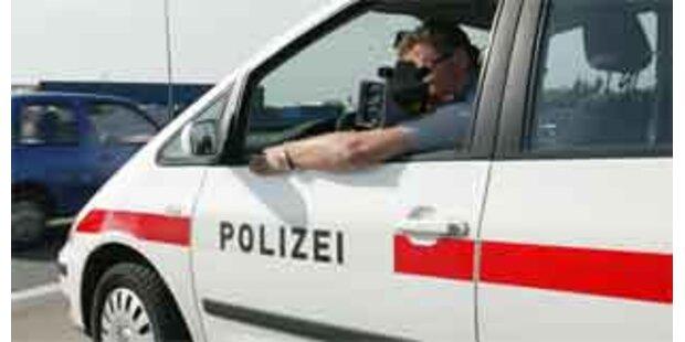 Tiroler  raste mit 195 km/h durch Tunnel auf A12