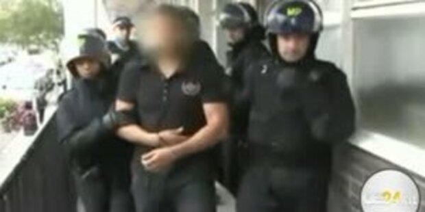 Polizei startet Hausdurchsuchungen