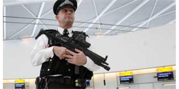 Flugzeugbomber bekennen sich in London schuldig