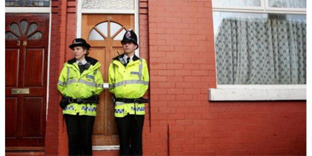 Zwölf Festnahmen nach Terrorrazzien