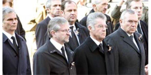 Politik und Prominenz trauerten um Jörg Haider