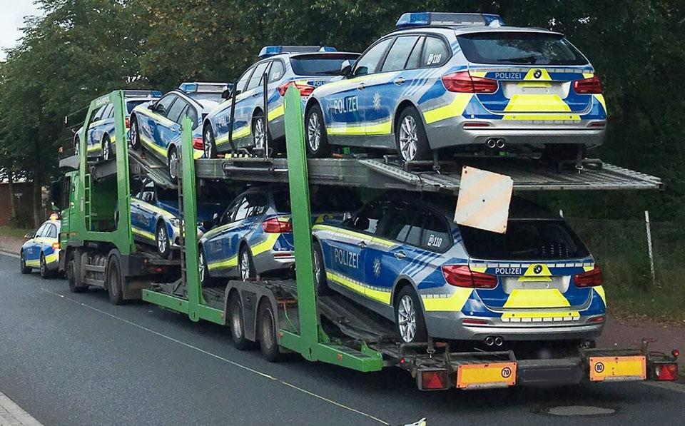 polizei-autotransporter-inl.jpg