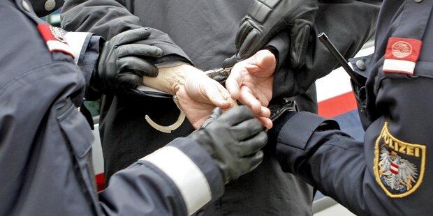 Bewaffneter Mann verschanzte sich in Wohnung