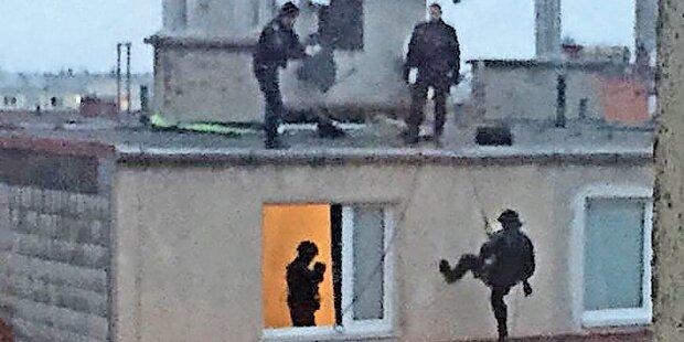 Rätselhafter Polizei-Einsatz am Dach
