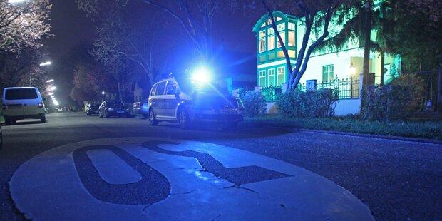 Autolenker mehr als eine Stunde eingeklemmt