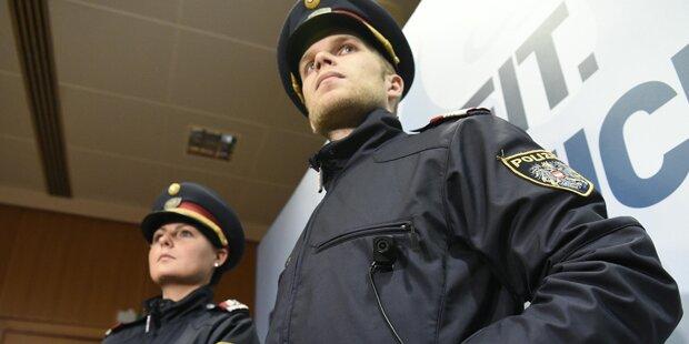 Erste österreichische Polizisten in Ungarn