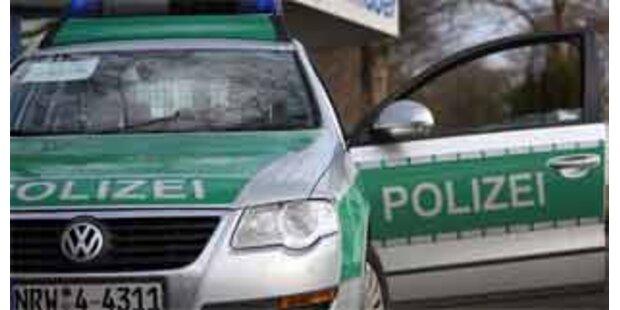 Blutüberströmte Leiche auf Hauptstraße gefunden